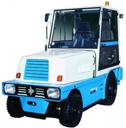 """Автотягач """"RECORD/РЕКОРД"""" ДТ1530.2 Balkancar (Балканкар). Тяговое усилие: 16kN. Двигатель: DEUTZ D2011L04/47,5 kW (Германия). Трансмиссия: ГДП 6860.6-03-S3 (Болгария)."""